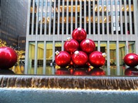 2019309 New York City Holiday Shopping On Your Own